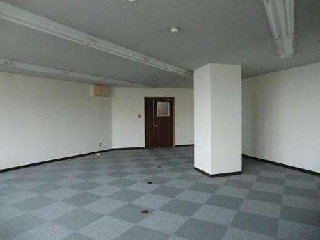 富山市稲荷元町 スタッフインビル 2階
