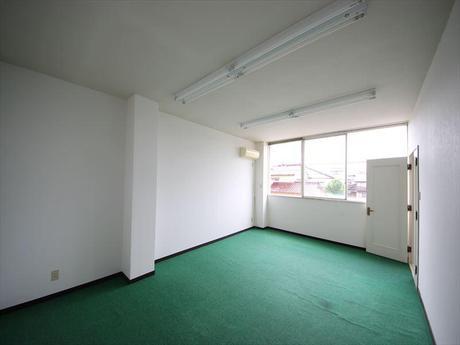 富山市山室 山室テナント2階 東側